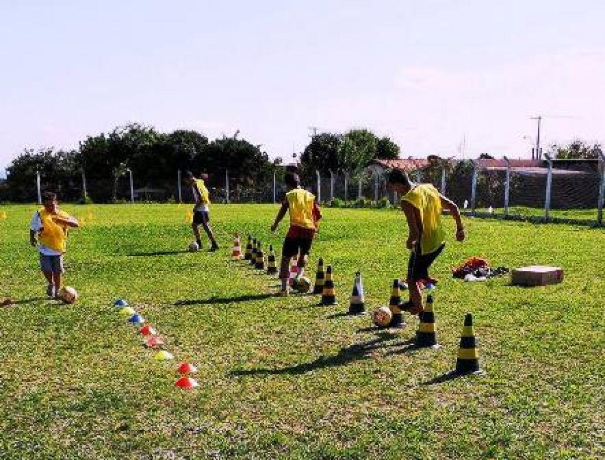 Jornal O Victoriano de Avaré - Atletas do futebol participam de ... 4917f8241ea00