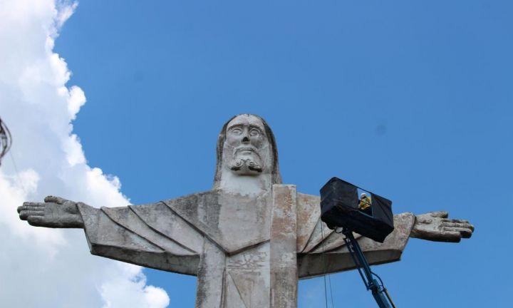 Prefeitura inicia recuperação do Cristo Redentor