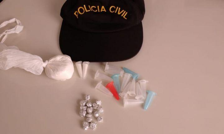 Mulheres são presas por tráfico de drogas e receptação