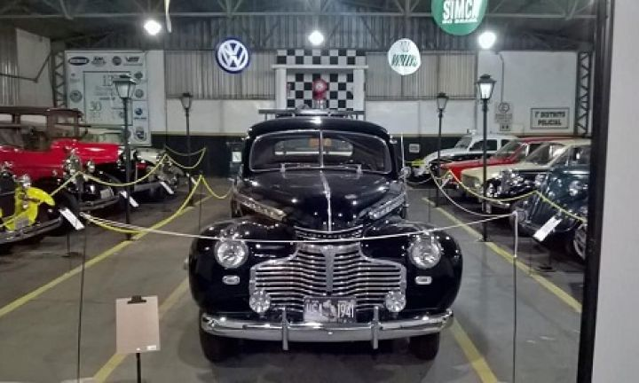 Prefeitura renova permissão de uso do prédio do Museu do Automóvel
