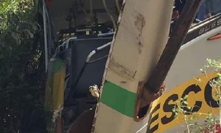Duas crianças e motorista morrem em acidente com ônibus escolar em Itapeva