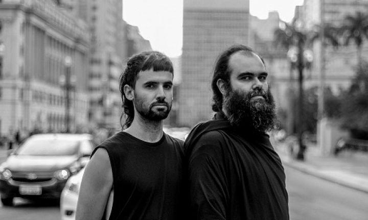 Largo São João recebe show de piano e voz de São Yantó e Chicão