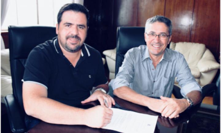 Prefeito Jô anuncia novo secretário de serviços