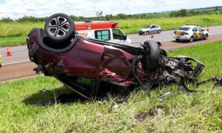 Acidente na SP 255: 1 morte e vários feridos, dois gravemente