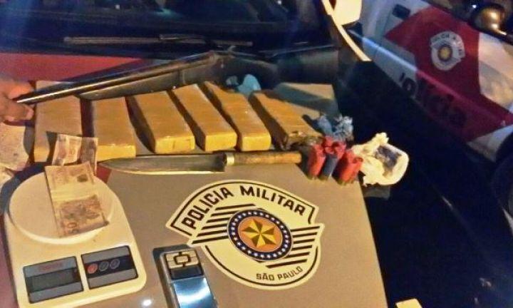 Polícia Militar prende traficante e apreende drogas e arma no Plimec