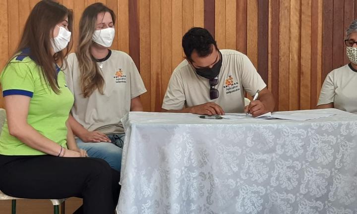 Associação de Apicultores de Avaré e Região firma parceria com a Bracell Celulose