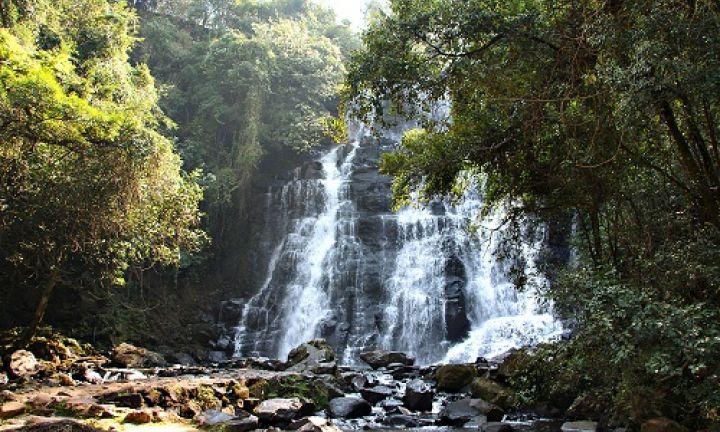 Cachoeiras na região: visitantes devem ter cuidado com cabeças d'água