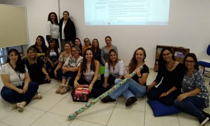 Comissão visita projeto de leitura para bebês em Sorocaba