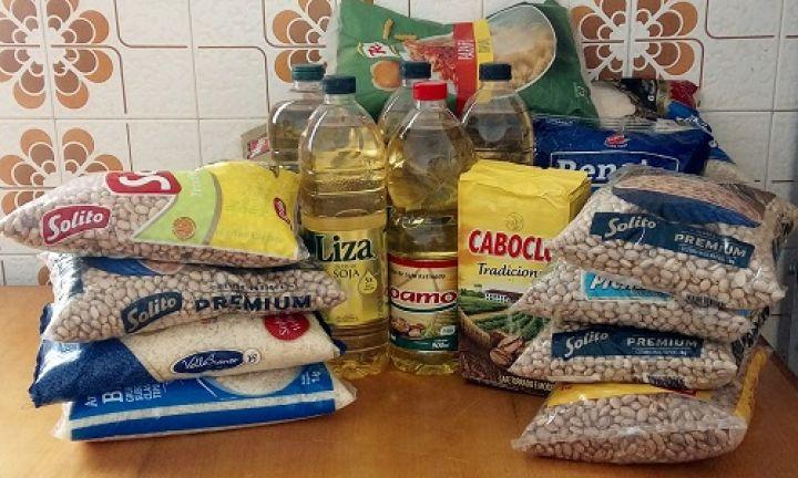 Corpo de Bombeiros doa alimentos ao Fundo Social