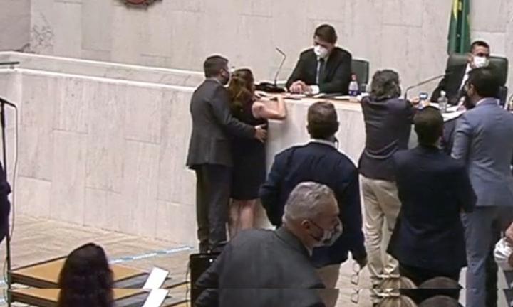 Deputado da região é acusado de assédio cometido durante sessão da Alesp