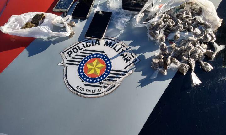 PM prende dois por tráfico no Bairro dos Rocha