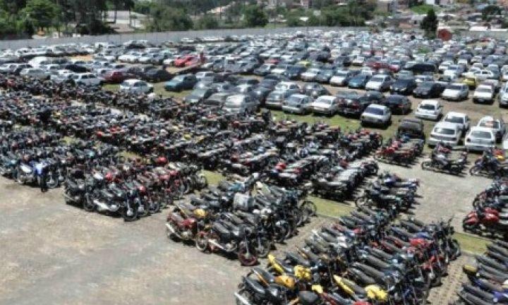 Detran leiloa mais de 800 veículos na região
