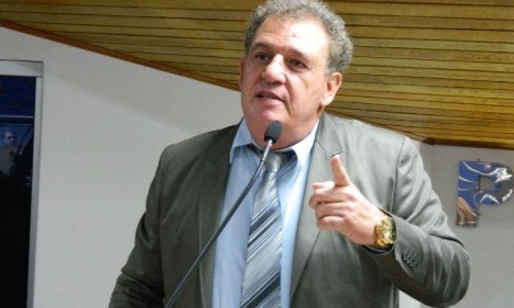 Estati quer presença de secretários na Câmara