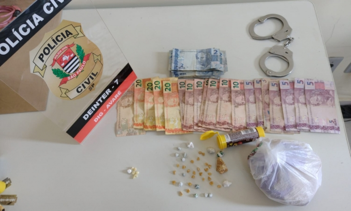 DIG prende dupla suspeita de vender crack na Vila Jardim