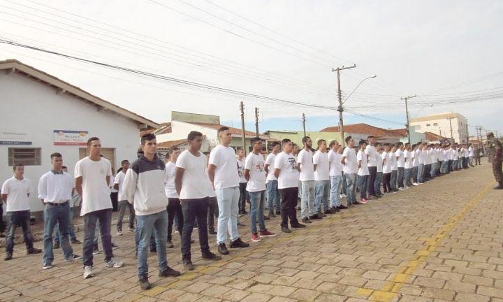 Delegacia do Serviço Militar promoveu solenidade de dispensa de incorporação