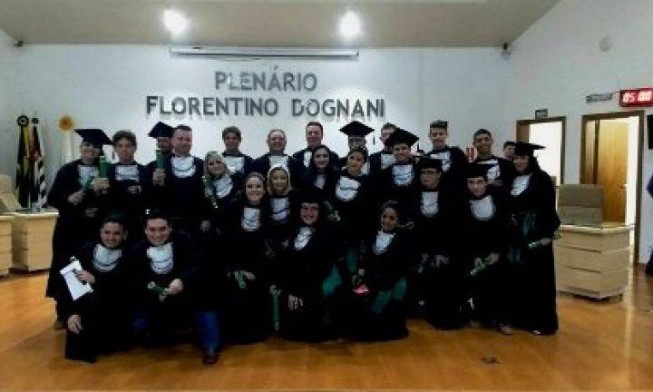 Curso Técnico em Agronegócios forma 3ª turma em Itaí