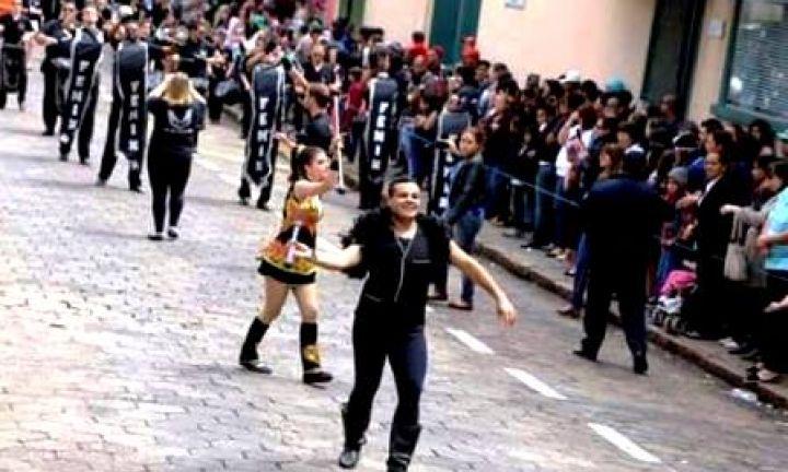 Com o tema Educação, desfile comemora o aniversário de Avaré