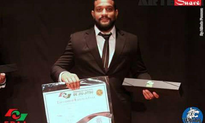 Atleta avareense de Jiu-Jitsu recebe Medalha do Mérito Esportivo