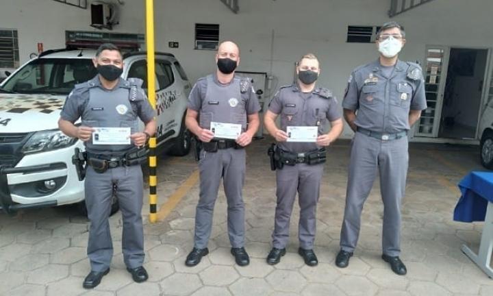 Policiais promovidos são homenageados no 53º Batalhão PM de Avaré