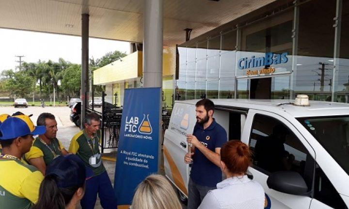 Laboratório móvel da Royal FIC percorrerá postos de combustíveis de Avaré
