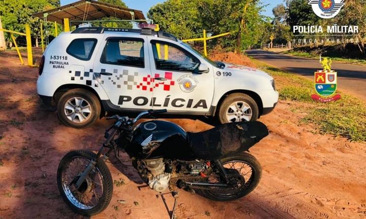 Moto sem identificação é apreendida na estrada da Ponte Alta