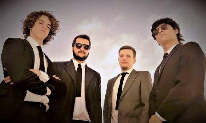 Banda avareense faz sucesso tocando Beatles