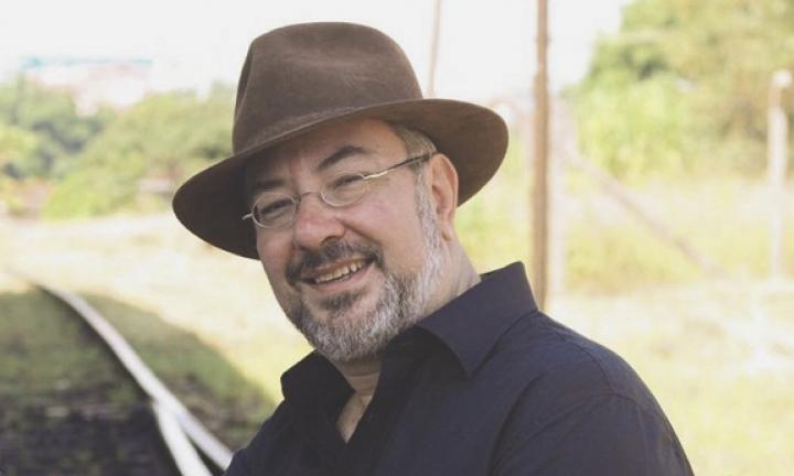 Violeiro Osni Ribeiro retoma espetáculo Arredores em formato on-line