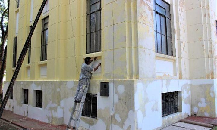 Prédio do Paço Municipal recebe nova pintura