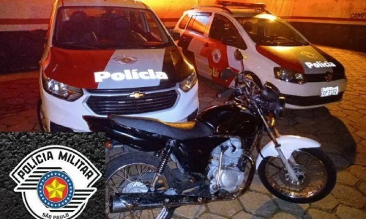 Polícia Militar recupera moto furtada em Arandu