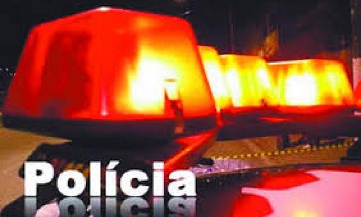 Homem é preso com porções de maconha na Vila Martins I