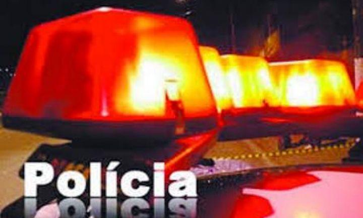 Homens envolvem-se em acidente com veículo roubado em Avaré