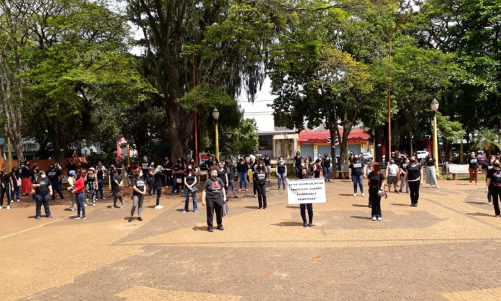 Professores municipais realizam novo protesto nesta quinta-feira