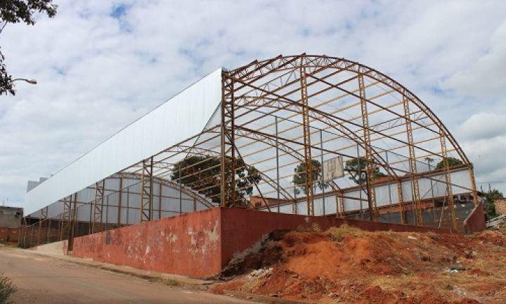 Quadra da Vila Esperança vai ganhar cobertura metálica