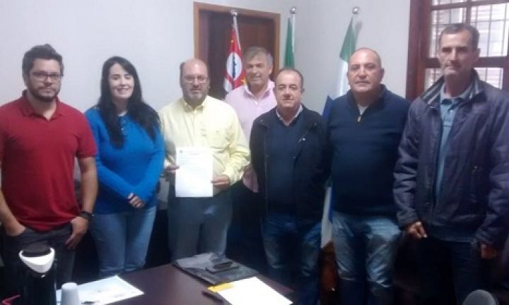Secretários se reúnem com assessores do deputado Dirceu Dalben