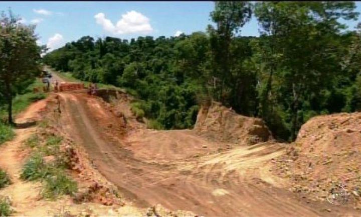 Trecho da SP-255 em Itaporanga é liberado