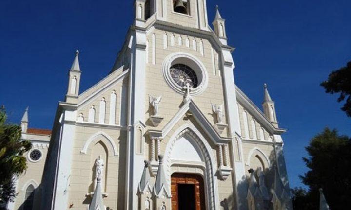 Católicos voltarão a ter missas presenciais em setembro