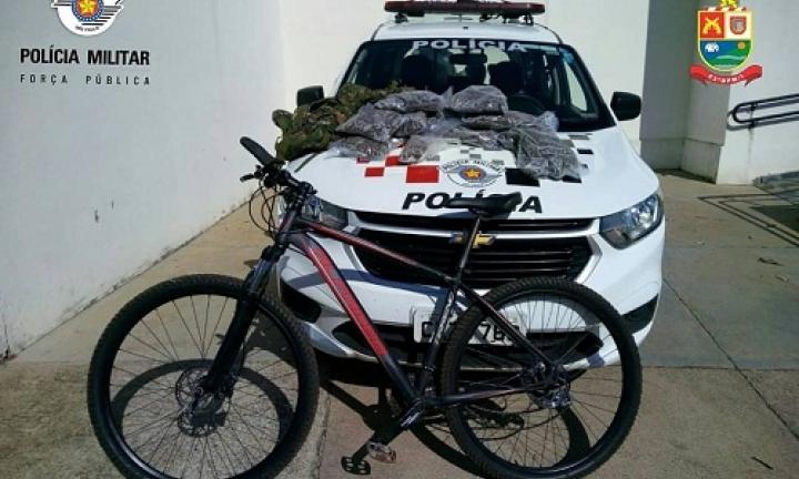 Polícia Militar localiza grande quantidade de drogas com ciclista