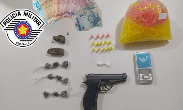 PM desvenda crime de roubo e prende dois por tráfico em Avaré