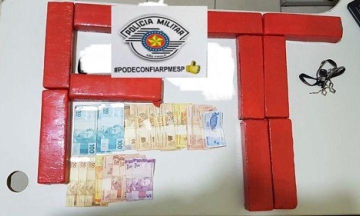 Após perseguição, Força Tática prende trio por tráfico de drogas