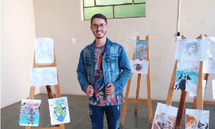 Centro Cultural tem exposição de desenhos de Vitor Tavares
