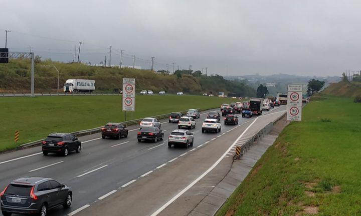 Mais de 46 mil veículos trafegaram pela SP-255 no trecho de Avaré