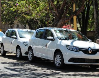 Prefeitura adquire novos veículos para Esporte e Turismo