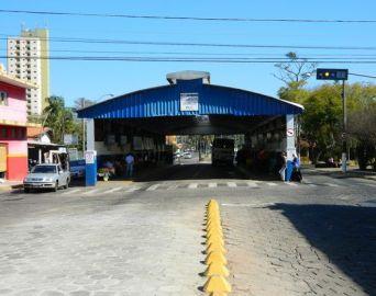 Homem é preso por molestar adolescente no terminal urbano de ônibus de Avaré