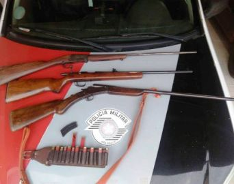 PM apreende armas e munições na zona rural de Arandu