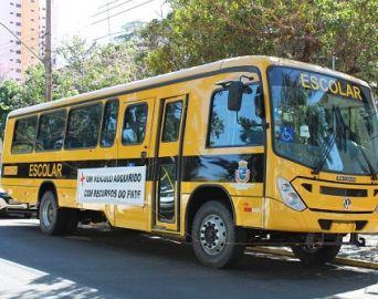 Novo ônibus escolar auxiliará o transporte de alunos da zona rural