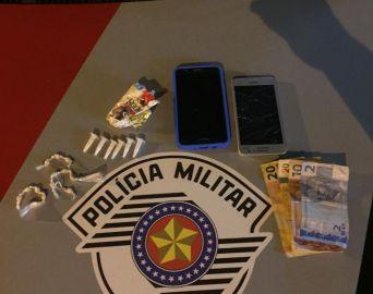 Dupla é detida com crack e cocaína em Arandu