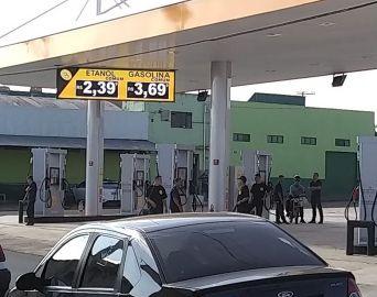 Preço da gasolina cai em Avaré e custa em média R$ 4
