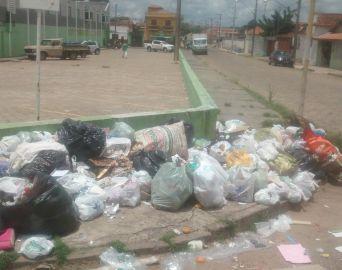 Coleta de lixo não ocorre de forma regular depois do Natal