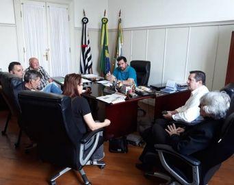 Grupo Renascer Ferroviário se reúne com o prefeito Jô Silvestre