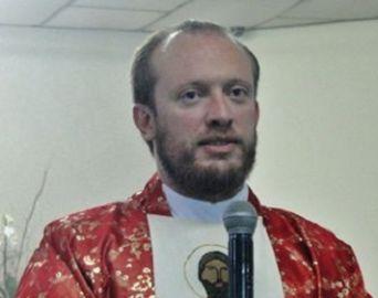 Padre João Paulo segue internado na UTI: quadro é regular
